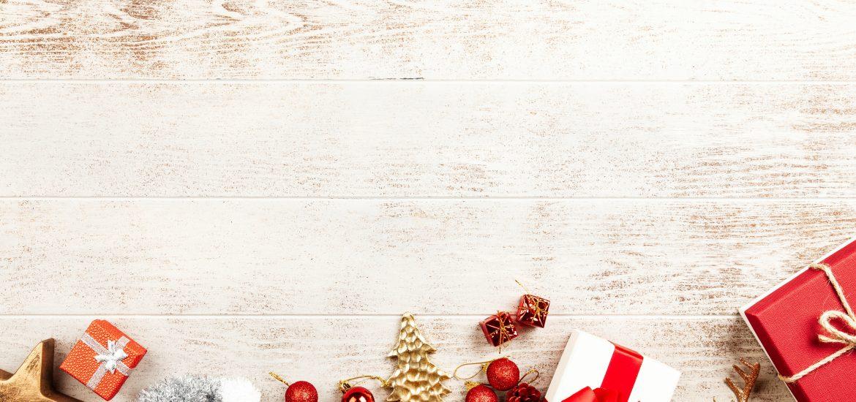 somethingsplendiferous.com The Ultimate Stocking Stuffer Guide for All Ages #Christmas #stocking #Stuffer #xmas #secretsanta #santa